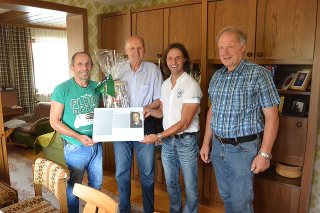 Unser Jubilar mit den Gratulanten der FF-Lavant