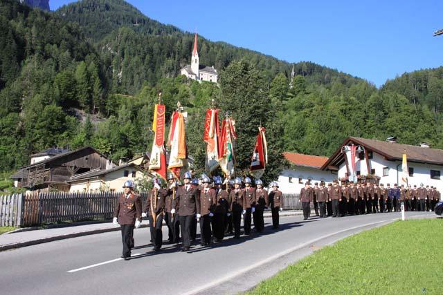 Aufmarsch zum Festakt anlässlich 125 Jahre Freiw. Feuerwehr Lavant